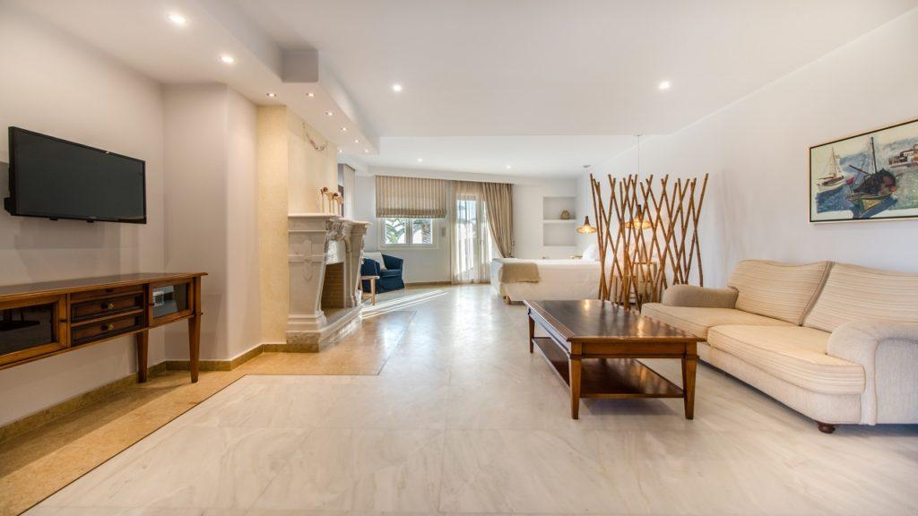Superior Suites Hotel Naxos